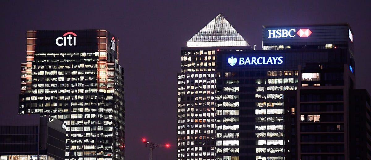 Băncile importante renunță la criptomonede: motivul din spatele deciziei